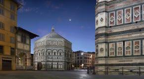 Florence Baptistery och Giottos klockatorn arkivfoto