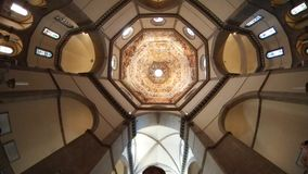 Florence Cathedral, Florencia, luz del día, techo, tiro de pantalla, simetría fotos de archivo