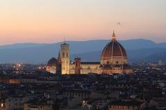 Florence Cathedral i solnedgång Arkivbilder