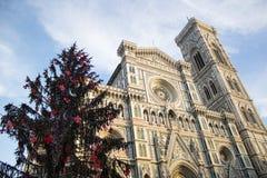 Florence Cathedral y árbol de navidad Foto de archivo libre de regalías