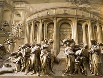 Florence - detail van hulp van poort stock foto's