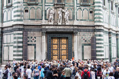 Florence, deuren van Baptistery (Battistero Di San Giovanni, Baptis stock afbeeldingen
