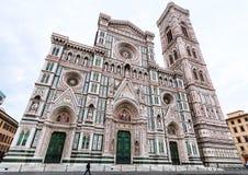 Florence Duomo och campanile i morgon Arkivfoton