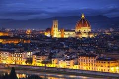 Florence eller Firenze, Duomodomkyrkagränsmärke Solnedgångsikt från Fotografering för Bildbyråer