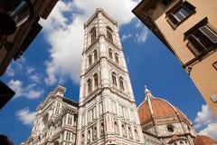 Florence fasade av Florence Cathedral, Giotto torn, Brunnaleski kupol Arkivbild