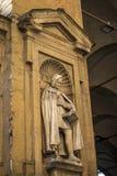 Florence, Italië - 22 April, 2018: Standbeeld van Giovanni Villani - Italiaanse bankier, diplomaat en kroniekschrijver van Floren stock fotografie