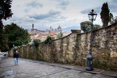 FLORENCE, ITALIË - Januari 23, 2009: de wandeling van of het lopen van de straten van Florence, Italië Royalty-vrije Stock Afbeeldingen