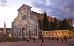 Florence, Itali? - September 03, 2017: Mooie Santa Maria Novella-kathedraal in de zonsondergang royalty-vrije stock afbeelding