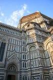 FLORENCE, ITALIE - 16 AVRIL 2010 : Vue de bas en haut aux Di Santa Maria de Cattedrale Photo stock