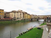 14 06 2017 Florence, Italie : Vue de pont en pierre médiéval Ponte Image stock