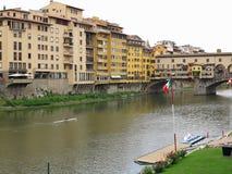 14 06 2017 Florence, Italie : Vue de pont en pierre médiéval Ponte Photo libre de droits