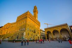 FLORENCE ITALIEN - JUNI 12, 2015: Pinturesque stadshus på Florence som kallas också Palazzo Vecchio eller gammal slott Fotografering för Bildbyråer