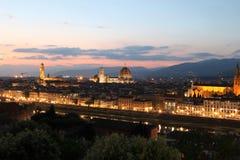 Florence Italien på skymning fotografering för bildbyråer