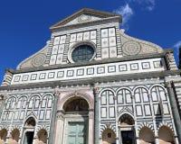 Florence Italy adornó la fachada de la iglesia antigua Fotos de archivo