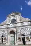 Florence Italy adornó la fachada de la iglesia antigua llamada Papá Noel M Fotos de archivo libres de regalías