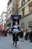 florence italy December 02, 2017 kostymerade processionen nära Santa Maria del Fiore Arkivfoto