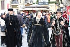 florence Italy Grudzień 02, 2017 Costumed korowód blisko Santa Maria Del Fiore Fotografia Royalty Free