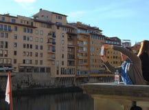 florence Italy Tuscany Bulwar rzeczny Arno fotografie biorą turysty zdjęcia royalty free