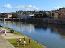florence Italy Tuscany Widok od bulwaru Arno rzeka na mieście na pogodnym jesień dniu fotografia royalty free