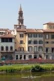 Florence landskap av den Arno floden Arkivfoto