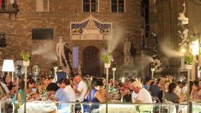Florence lyxig restaurang med det utomhus- kyla mistingsystemet Arkivfoto