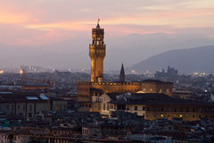 Florence, Night view of Palazzo Vecchio Stock Photos