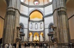 FLORENCE-NOVEMBER 10 :大教堂二圣玛丽亚11月10,2010的del菲奥雷的内部在佛罗伦萨,意大利。 免版税库存图片