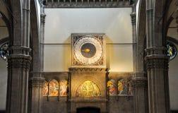 FLORENCE-NOVEMBER 10 :时钟在中央寺院11月10,2010的保罗・乌切洛在佛罗伦萨,意大利。 免版税库存图片