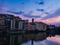 Florence på skymning Arkivbilder