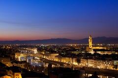 Florence på skymning från Piazzale Michelangelo (Tuscany, Italien) Arkivfoto