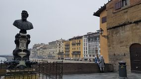 Florence Ponte Vecchio Boutiques avec des vendeurs d'or image libre de droits