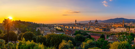 Florence, Ponte Vecchio, Palazzo Vecchio och Florence Duomo, Italien Fotografering för Bildbyråer