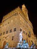 Florence - staty av Neptun och Palazzo Vecchio Royaltyfria Foton