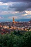 Florence sur un coucher du soleil, Italie Photos stock
