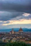 Florence sur un coucher du soleil, Italie Image stock