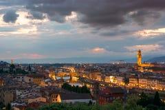 Florence sur un coucher du soleil, Italie Photo stock