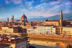 Florence, Toscanië, Italië: landschap van de stad bij zonsondergang royalty-vrije stock afbeelding