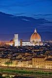 Florence Tuscany - paysage de nuit avec le Duomo Santa Maria del Fior photos stock