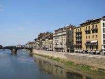 Florencia hermosa, Italia a lo largo de Arno River Fotos de archivo