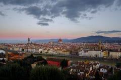 FLORENCIA, ITALIA - 29 DE DICIEMBRE DE 2017: Paisaje en el amanecer de Floren Imagenes de archivo