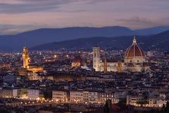 Florencia, paisaje urbano en la oscuridad imagen de archivo libre de regalías