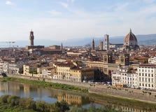 Florencia y río Arno imagenes de archivo