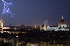 Florencja Duomo przy nocą z błyskawicą Obrazy Stock
