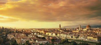Florencja lub Firenze zmierzchu anteny pejzaż miejski włochy Toskanii obrazy royalty free