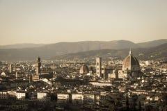 Florencja przy zmierzchu światłem Cattedrale del Di Santa Maria Fiore włochy Toskanii Starzejący się fotografia skutek Fotografia Stock