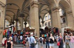 Florencja rynku sprzedawania skóry towary Zdjęcia Royalty Free