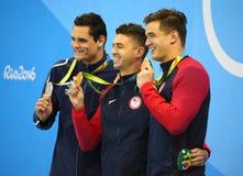 Florent Manaudou FRA L, olympisk mästare Anthony Ervin och Nathan Adrian av USA efter medaljceremoni efter fristil för man` s 50m Royaltyfri Foto