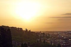 Florenz, Arno River und Ponte Vecchio bei Sonnenuntergang Stockbild