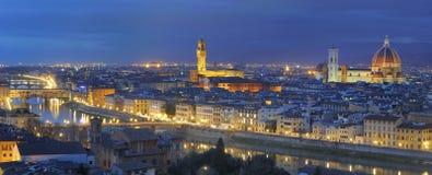 Florenz-großes Panorama bis zum Nacht Lizenzfreie Stockfotos