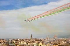 Florenz, Italien - März, 28 2018: Airshow von PAN Frecce Tricolori Lizenzfreie Stockfotografie